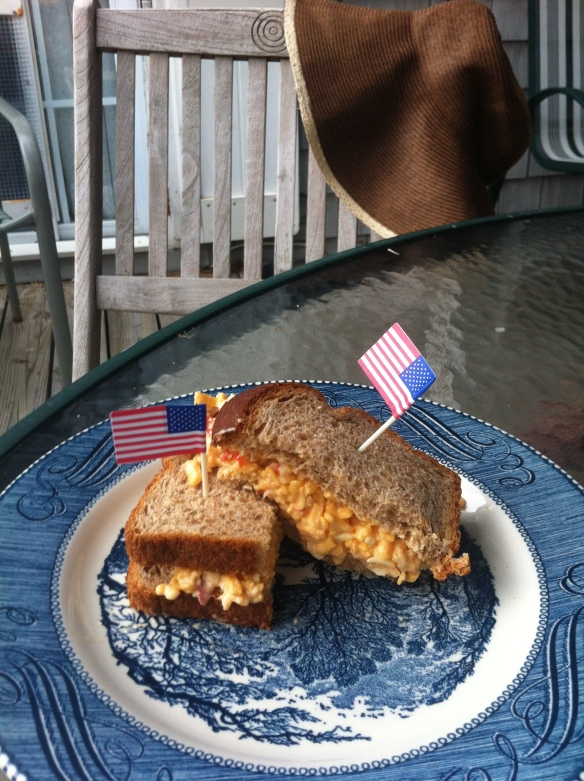 Pimento cheese sandwich recipe (perfect as a mid day beach snack)